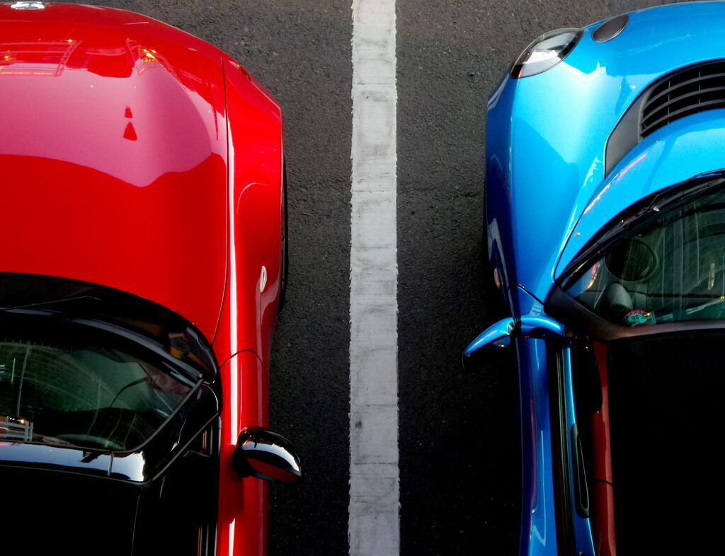 red car and blue car